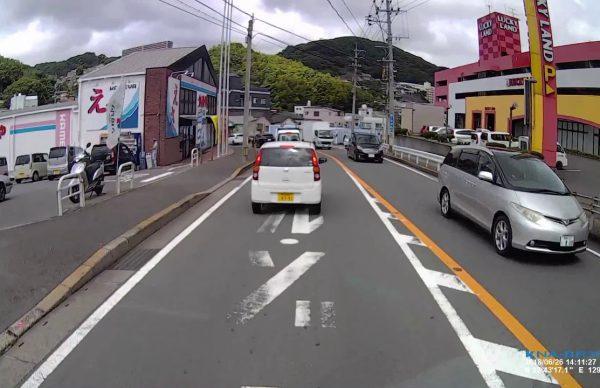 長崎県大浦警察署交番警察官の完璧信号無視!!